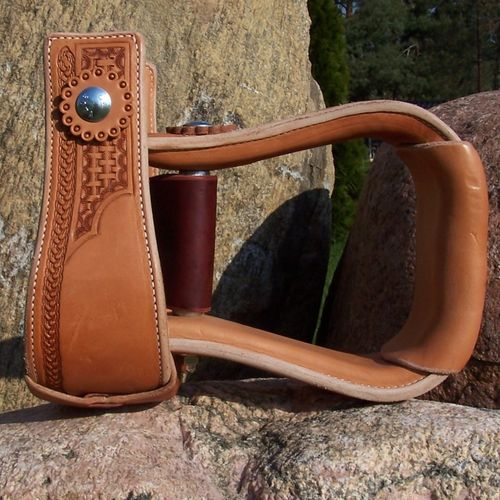 "Leather Stirrups ""Part Basket"""