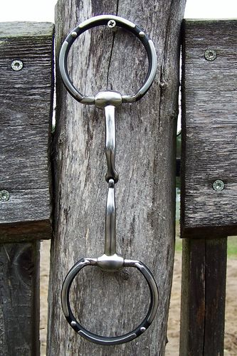 "Offset Dee Show Snaffle ""Black Western"" in Sizes"