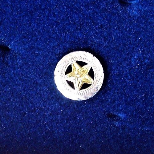 "Number Pins Clothing ""Golden Star"""