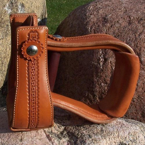"Leather Stirrups ""Hourglass Line"""
