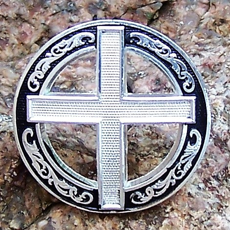 "Concho ""Silver Cross in Black Circle"" in Größen"