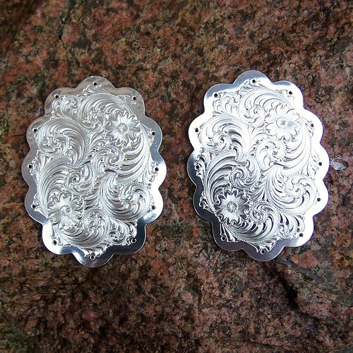 "Swell Plates ""Silver Flower with Clear Edge"""